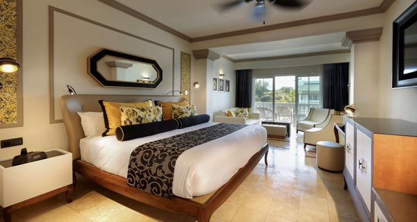 Offers at Grand Palladium Lady Hamilton Resort & Spa